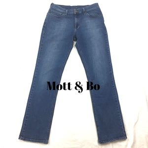 MOTT & BOW Straight Oliver Mid Rise Stretch Jeans